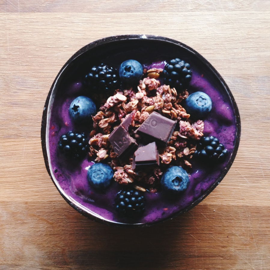 maqui berry superfood bowl